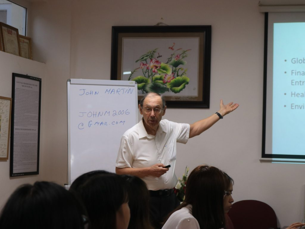 Giáo sư John Martin